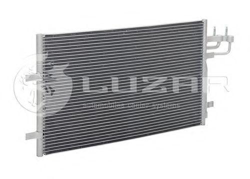 Радиатор кондиционера LUZAR LRACFDFS03348